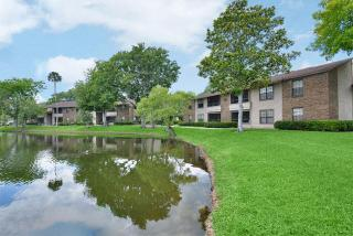 View apartments for rent at Oaks Of Lakebridge